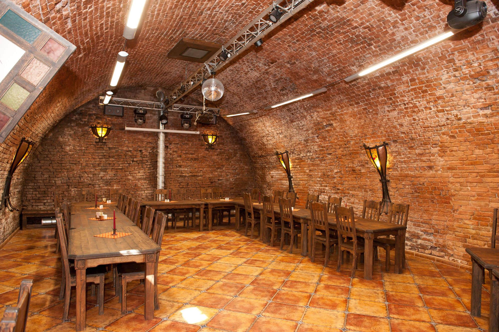Firemní akce interiér restaurace | Dašické sklepy